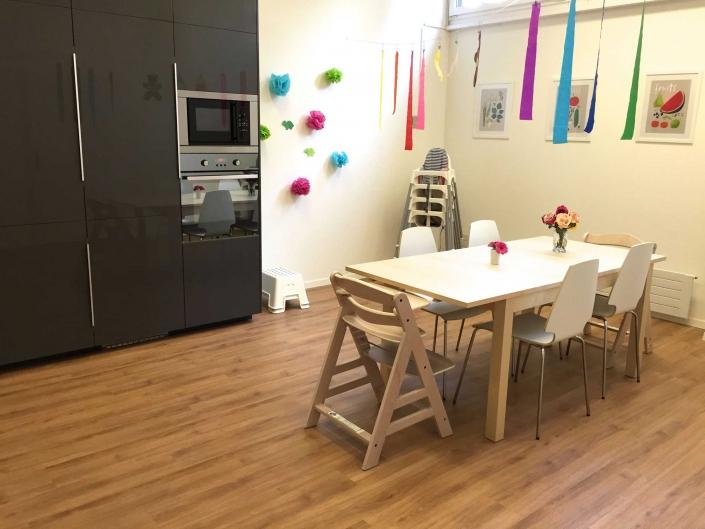 Esstisch in der Küche | Kita Lake Side Kids Zürich